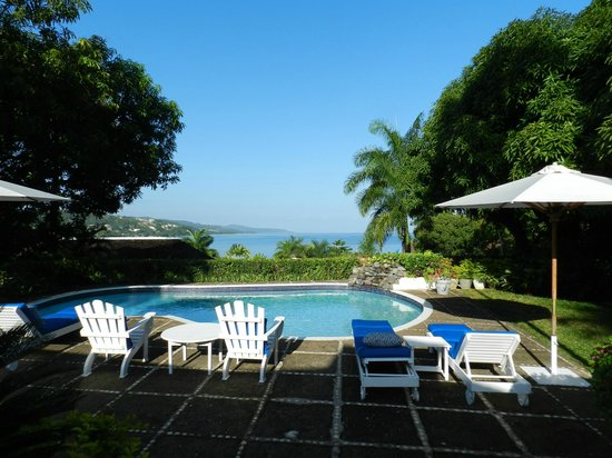 Round Hill Hotel & Villas: Our pool and commanding view