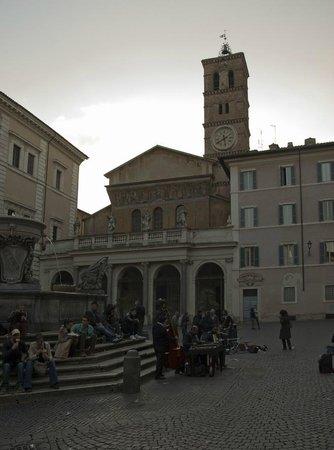 Santa Maria in Trastevere: Torre