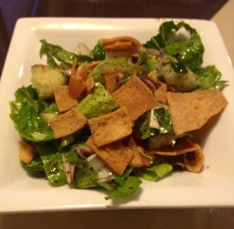 Phoenician Garden Mediterranean Bar and Grill: Fattoush Salad with home made pita chips