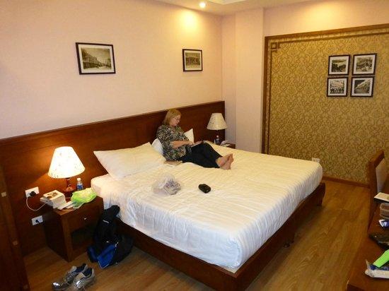Spring Flower Hotel Hanoi: Mrs M relaxing in the room