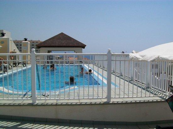 Hotel Perla Marina: Het dak zwembad