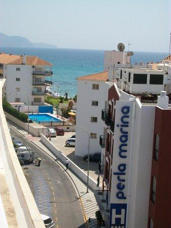Hotel Perla Marina: Uitzicht van op het dak van het hotel