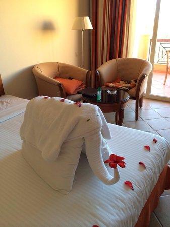 Resta Grand Resort : Towel decoration last day
