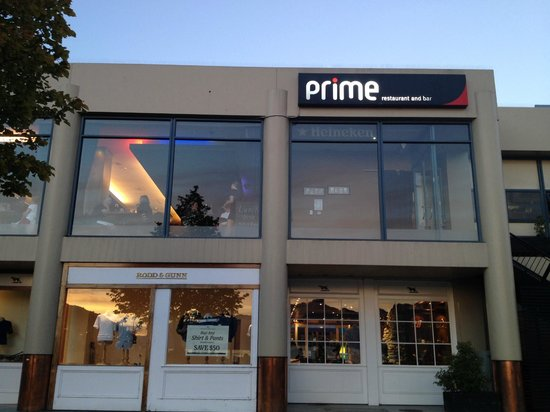 Ahhhhh picture of prime waterfront restaurant and bar for Bar food queenstown