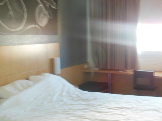 Ibis Barcelona Meridiana : Room