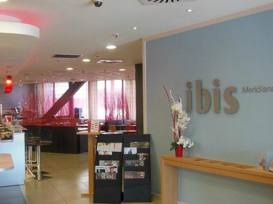 Ibis Barcelona Meridiana : Hotel foyer