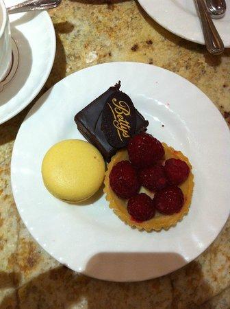 Bettys Cafe Tea Rooms - York : dettaglio paste