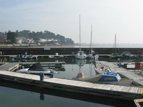 Salterns Harbourside Hotel: The harbour