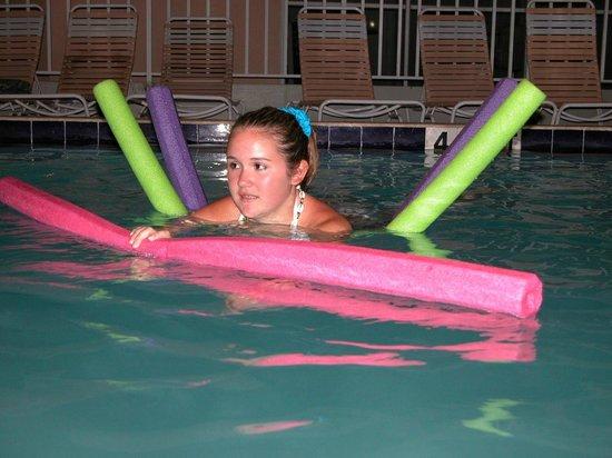Belleair Beach Resort : Fun in the pool
