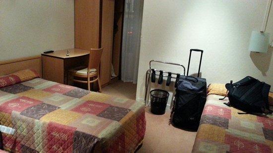 Hotel Helvetia : Small Room