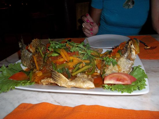 Ho Tram Beach Boutique Resort & Spa: poisson entier