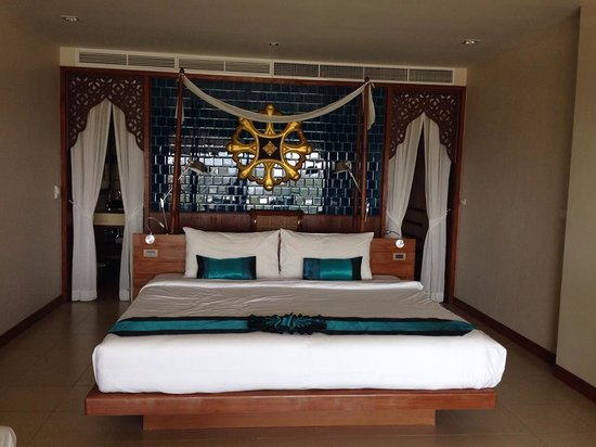 Rawai Palm Beach Resort : Lovely room