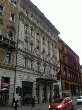 Hotel Nemzeti Budapest - MGallery by Sofitel : Отель с улицы