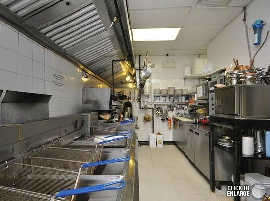Waves Seafood & Grill : Kitchen Line