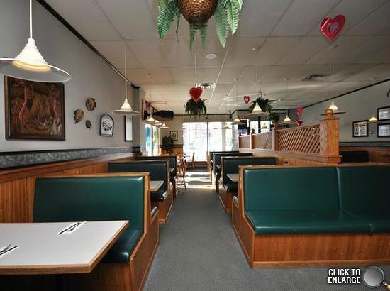 Waves Seafood & Grill : Dining Room