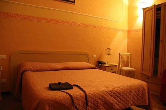 Hotel Fiorita: Номер