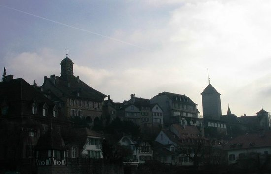 Medieval City Walls: Муртен (Морат), вид от берега озера