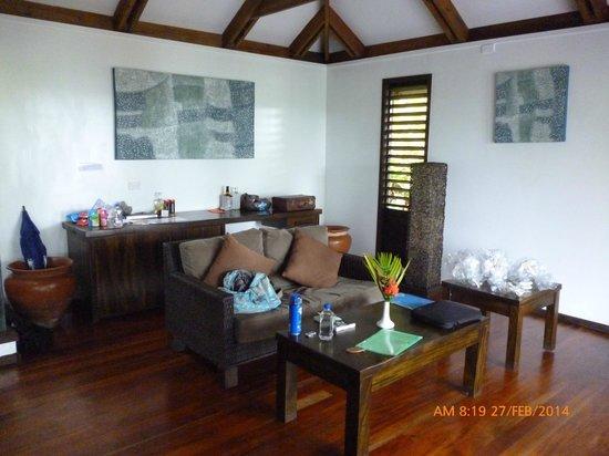 Wananavu Beach Resort : Lounge of honeymoon bure