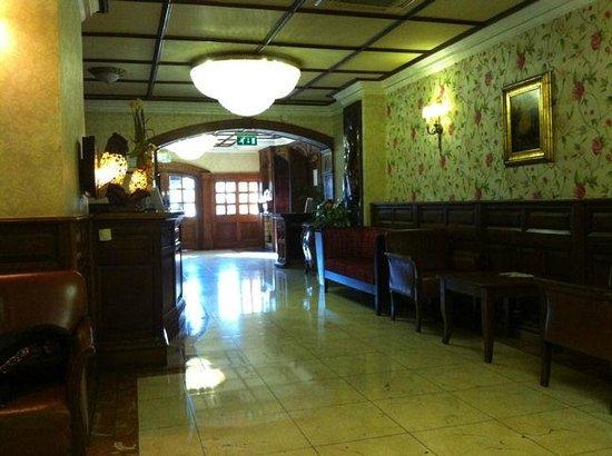 Arlington Hotel O'Connell Bridge: The Hotel Lobby