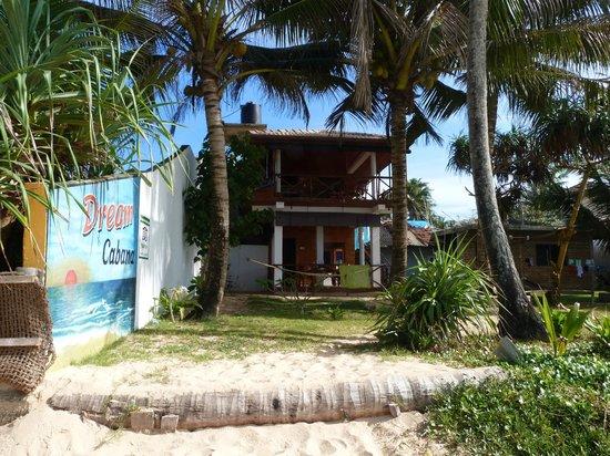 Pearly's Dream Cabanas : Ansicht vom Strand auf die Cabana