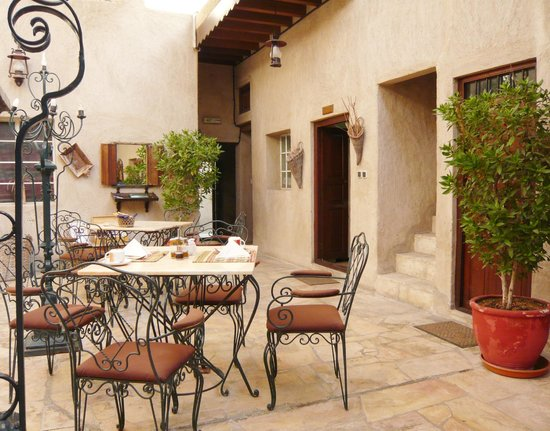 Orient Guest House: Patio