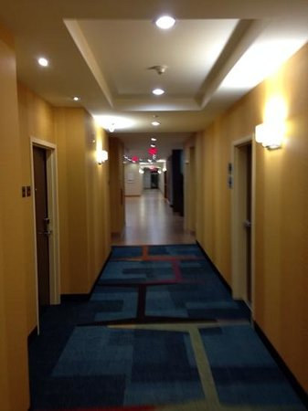Fairfield Inn & Suites Vernon: hallway