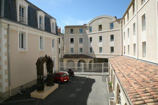 Residence Les Cordeliers : Vue cour intérieure