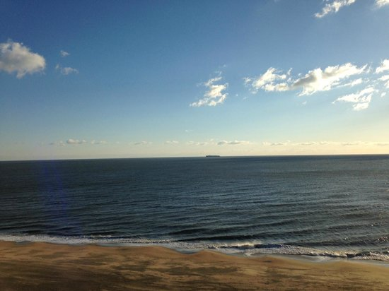 Residence Inn by Marriott Virginia Beach Oceanfront: The view from the balcony was beautiful!