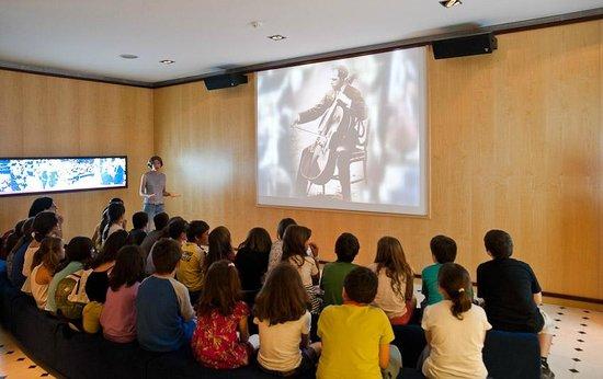 Pau Casals Museum : Sala Naciones Unidas