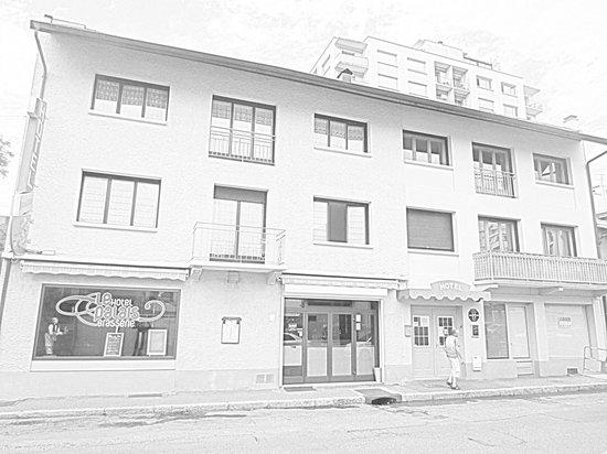 Hotel Cafe du Palais : façade de l'hôtel et de la brasserie