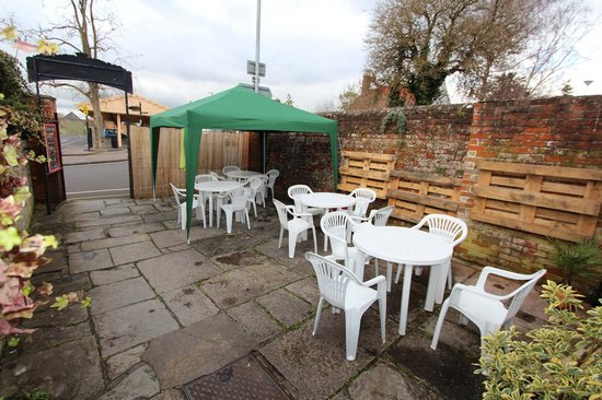 Glastro Cafe: Our lovely Courtyard