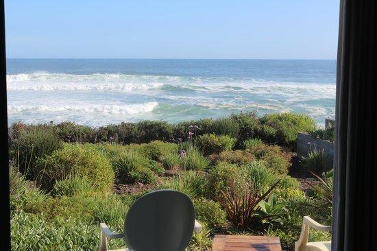 The Ocean View Luxury Guest House: Garten vor dem Ozean