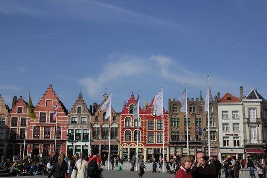 Historic Centre of Brugge : Площадь Markt - центральная площадь Брюгге
