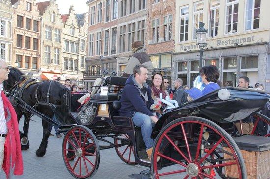 Historic Centre of Brugge : Фиакр - замечательный способ перенестись в Средневековье
