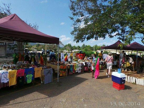 Jamaica Exquisite - Day Tours: Mercados en Jamaica