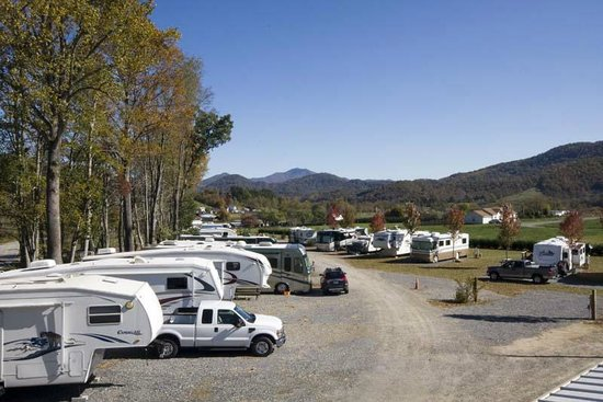 Trails End RV Park : Looking down the lower end