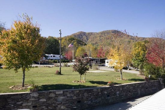 Trails End RV Park : Fall beauty