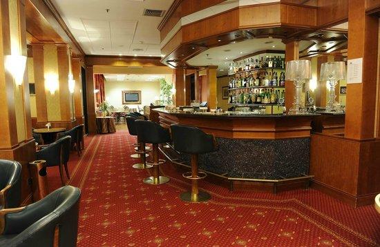 Tower Genova Airport - Hotel & Conference Center : Bar Albatross