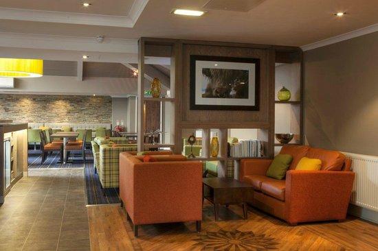 Holiday Inn Express Edinburgh Airport: Lounge