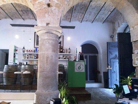 Osteria Ballaro: location storica e affascinante