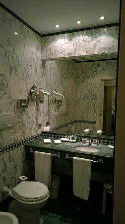 Sina Bernini Bristol: Toilette