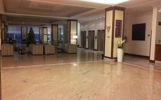 Remisens Premium Hotel Ambasador: Atrio