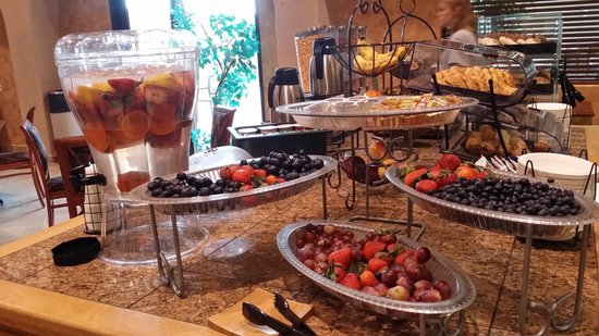 BEST WESTERN Territorial Inn & Suites : Breakfast