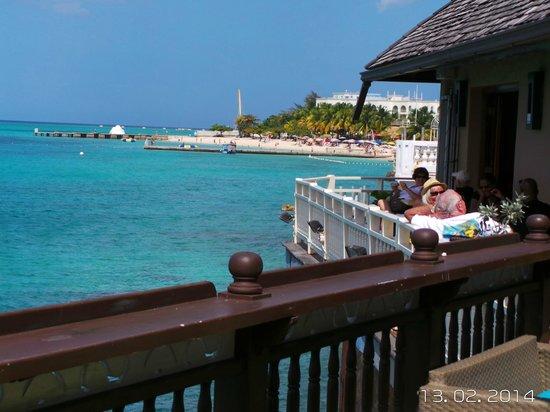 Jimmy Buffett's Margaritaville : vista desde la terraza del restaurante.