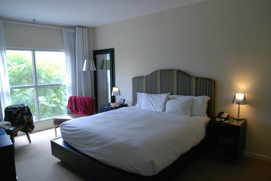 Meliá Orlando Hotel at Celebration: The Two bedrooms are almost identical. Some have 2 single beds.