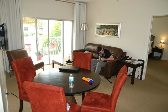 Meliá Orlando Hotel at Celebration : Family/Dining area