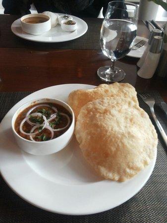 Rock Manali Hotel & Spa: Breakfast in hotel