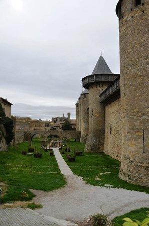 Liste des comtes de Carcassonne : Прогулка по крепости