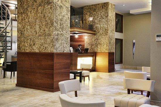 Orka Royal Hotel : Reception