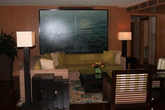 Edgewater Beach Hotel: Sitting area in Lobby